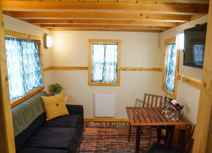 Cedar Tiny House: Relaxing, Cozy, Quaint