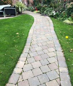 Garden path to front door