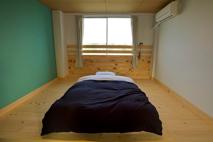 HIKE room no.2 / single room シングルルーム 1名個室
