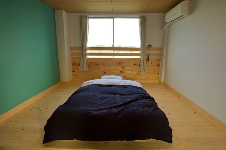HIKE room no.10 / single room シングルルーム 1名個室
