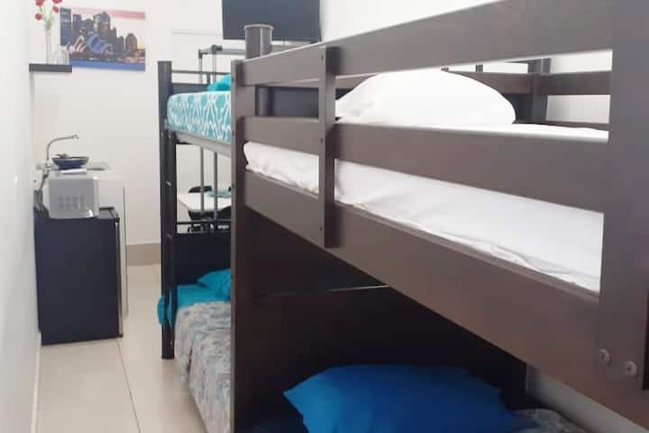 Bonita habitación equipada- Ediplaza Río Suites!!