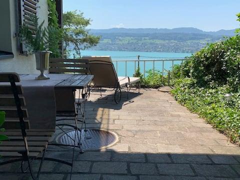 Casa lluny de casa - Apartament acollidor amb vista al llac
