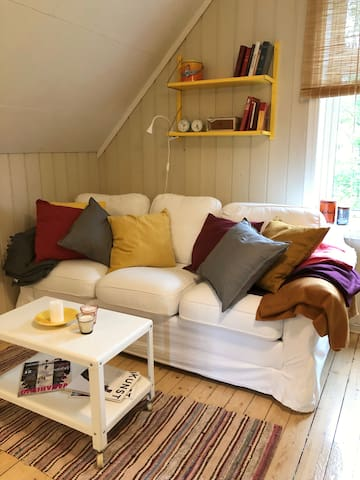 Sofa which converts to a sofabed (double).