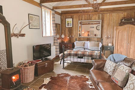 The Farrows | Rustic Luxury studio with log burner