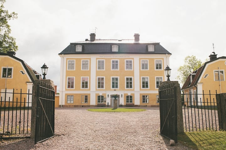 Rent your own beautiful Swedish mansion