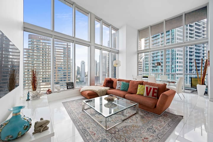 ICON BRICKELL TWO BDR HIGH CEILING WITH OCEAN VIEW