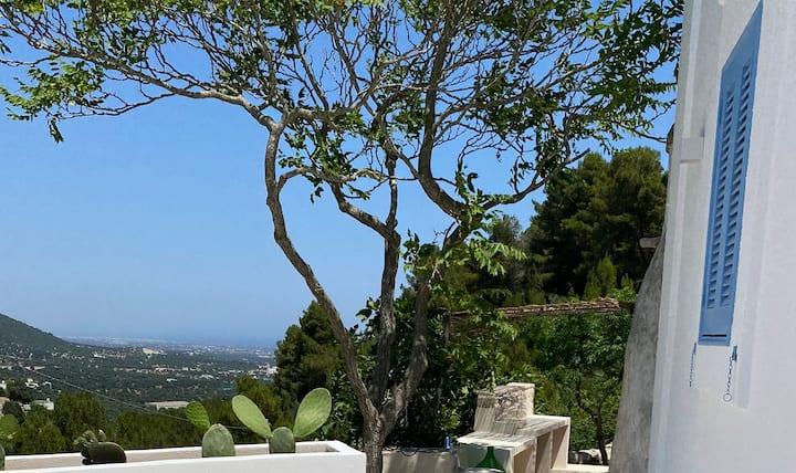 Le Sette Valli -Hillside Villa with Pool, Sea View