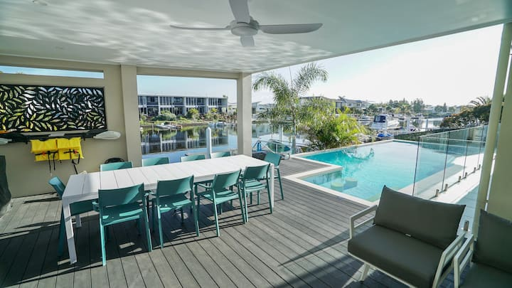 Waterfront at Pelican Waters