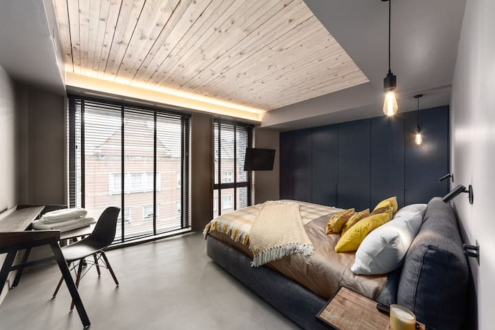 Lux One Bedroom Apartment by Old Street Station