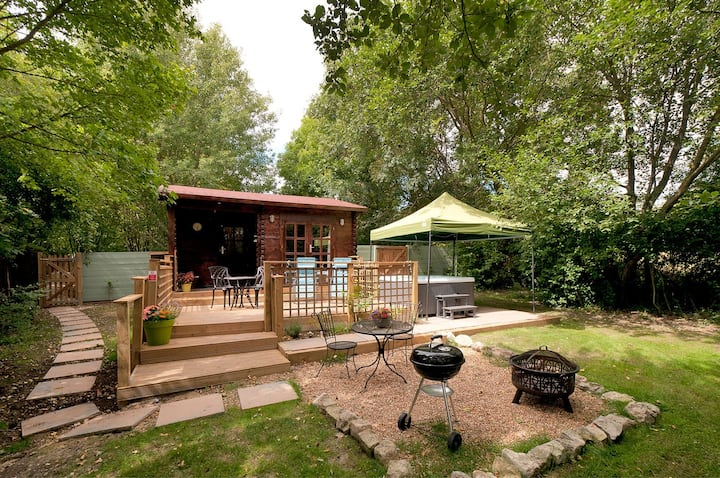 The Lodge self-catering holiday let with hot tub