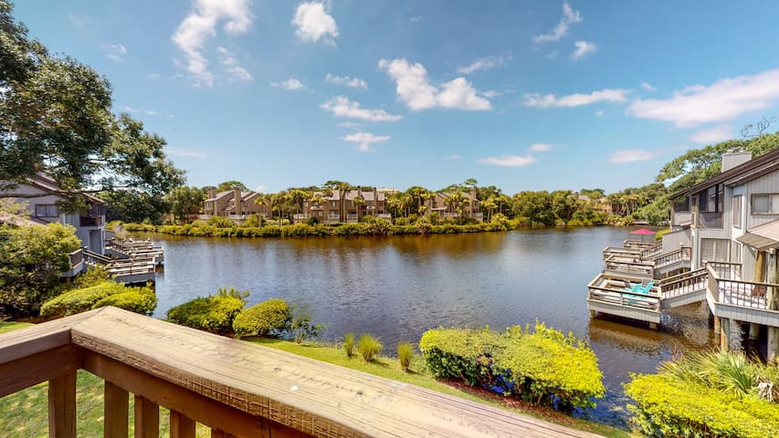 Recently Listed Villa with a View in Parkside!