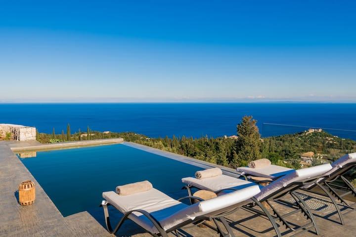 Nikolakos Villa