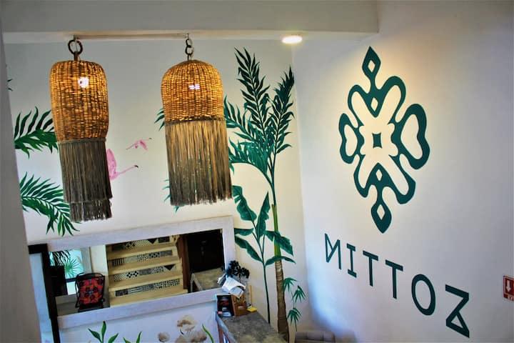 Reserva la mejor ubicación de #Holbox Hotel Mittoz