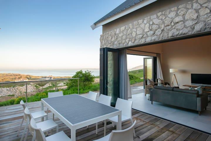 Villa 2 @ Shark Bay (10404) Langebaan