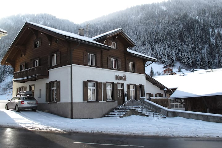The Lodge - Whole Chalet for 14 guests