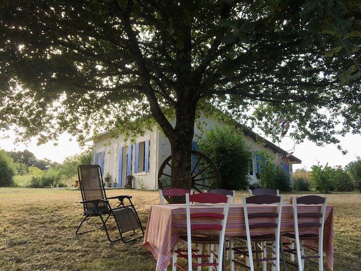 Saint-Aigulin : maison champêtre