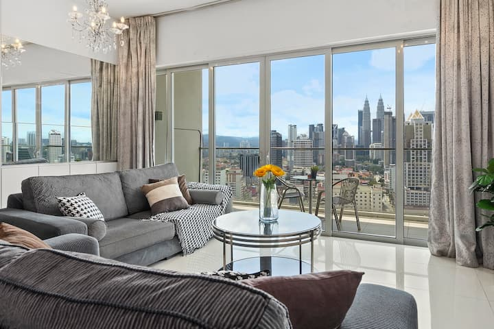 (B) Individual Room with Amazing KLCC View