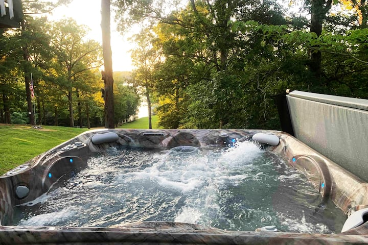 Spring weekday specials- 7 person hot tub.