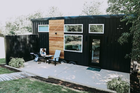 The Scandi - tiny home & sauna in Berlin Ohio