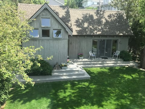 Private one bedroom cottage on Conn. seashore