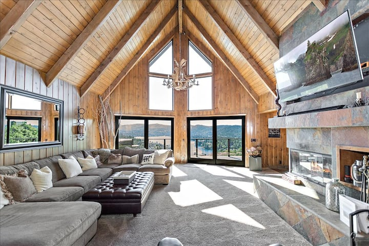 Cloud 9-4BD 4BR Mountain Lodge with Stunning Views