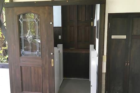 玄関のリフト段差解消機
