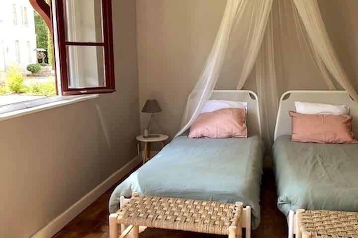 Chambre 3 avec lits jumeaux