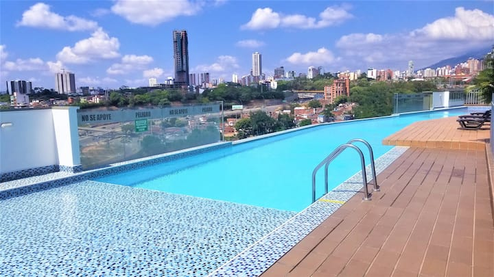 🌞Sunsets View Balcony, Pool, A/C, 150mb WiFi,🌞