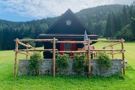 Tarvisio La baitina in Val Bartolo
