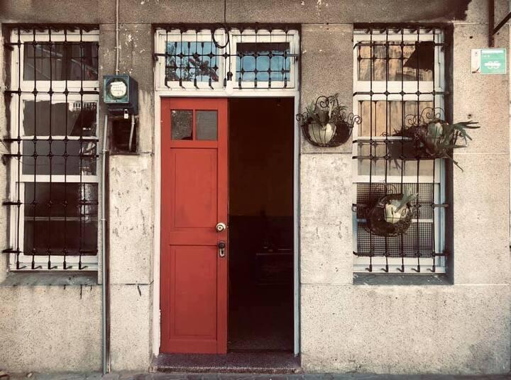 《舊城Old-Fashioned》老屋Bar & Bed獨立雙人房/米街/神農街/國華街/河樂廣場