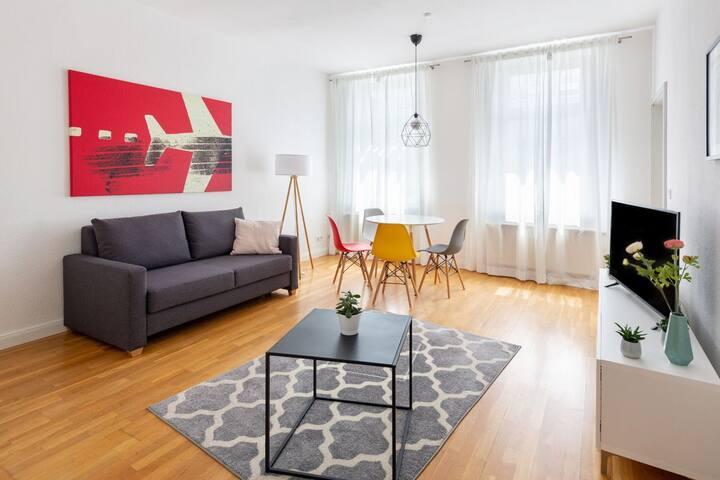 Helle zentrale 2-Zi-Wohnung an Karl-Liebknecht-Str