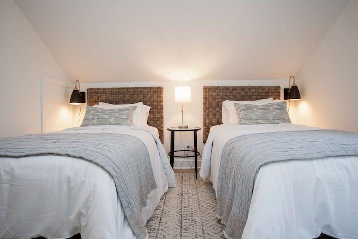 Bedroom 2 - Twin XL