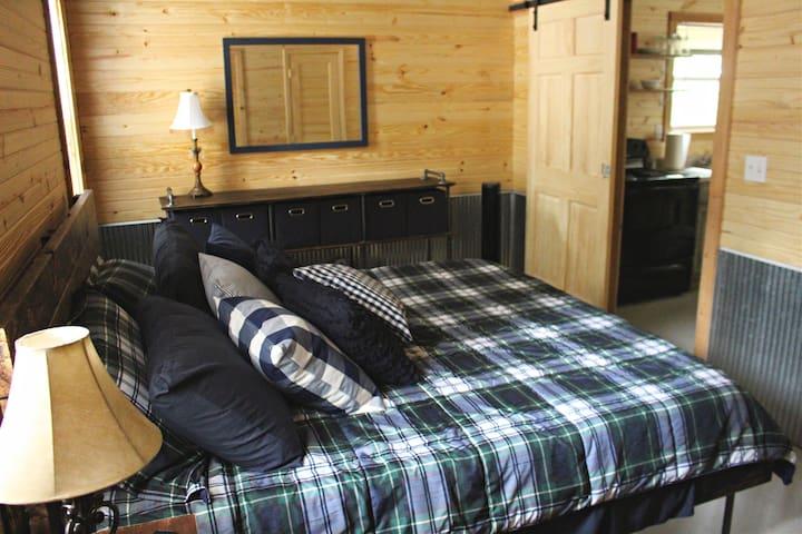 Super comfy king size bed!