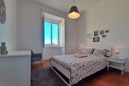 Private Double Room in the heart of Alfama