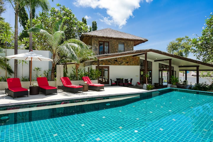 TROPICAL BEACH POOL VILLA | Beach-Pool-Freedom