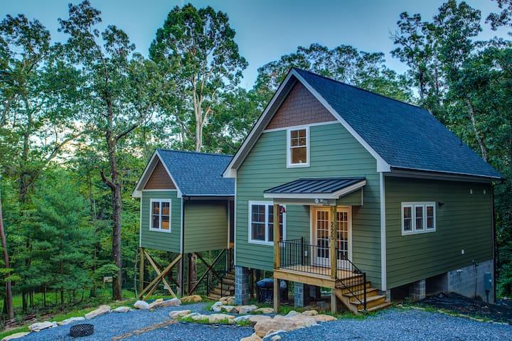 Eden House - A cozy chic mountain escape
