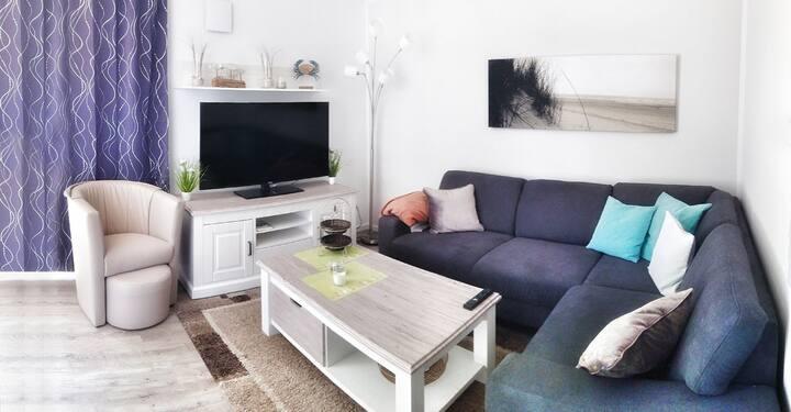 3 Raum Apartment OG mit Balkon