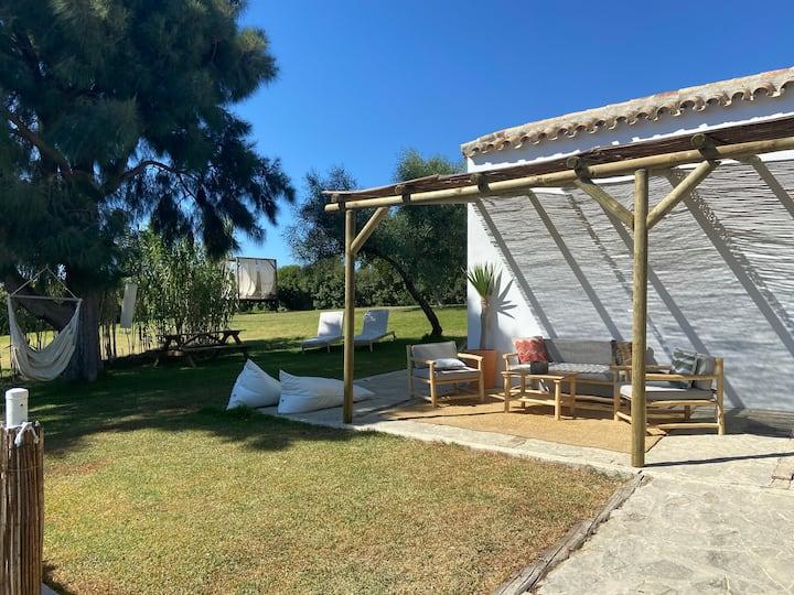 Casa Niam con Piscina a 200 m de Valdevaqueros