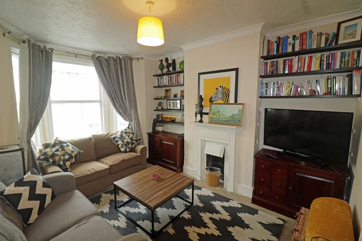 Cosy 3 bedroom house in the heart of Folkestone
