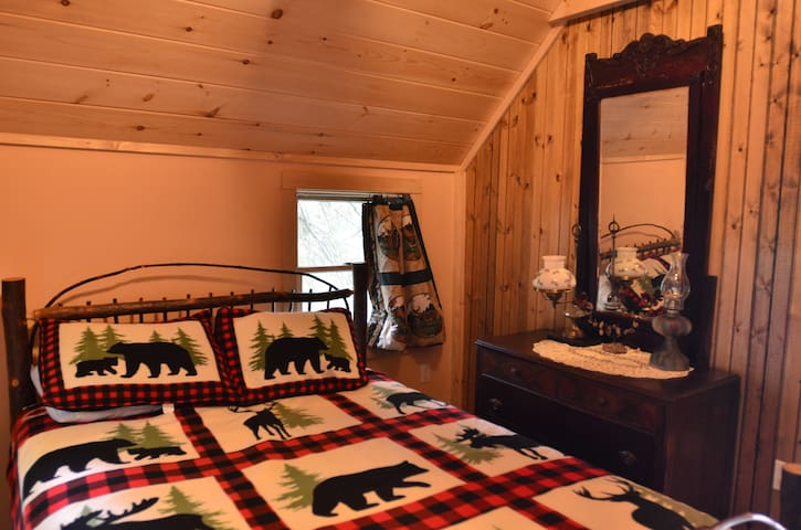 Guest lake view bedroom