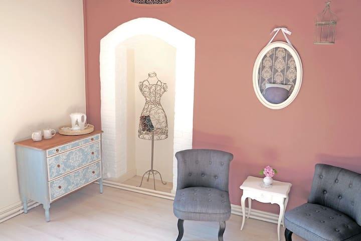 Rose de Chedigny Chambre d'hôtes au Moulin Vineuil