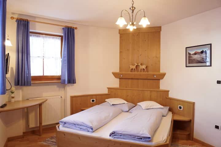 Cozy farmhouse apartment, Larciunei de sot, blue