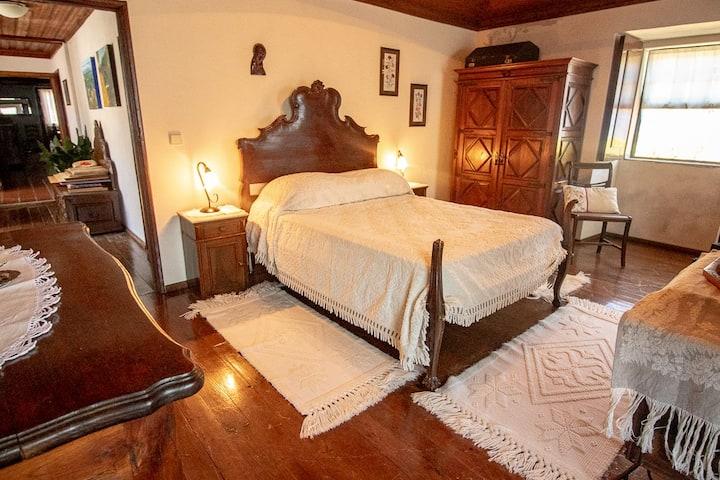 LUMA II . Casa da Torre. Room Luísa