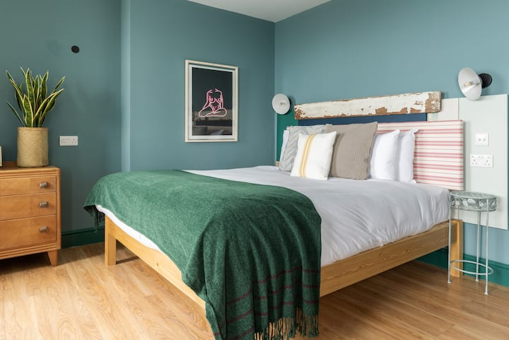 Selina Brighton - Deluxe Room