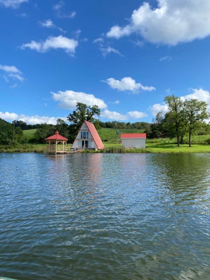 Water side Cozy cabin