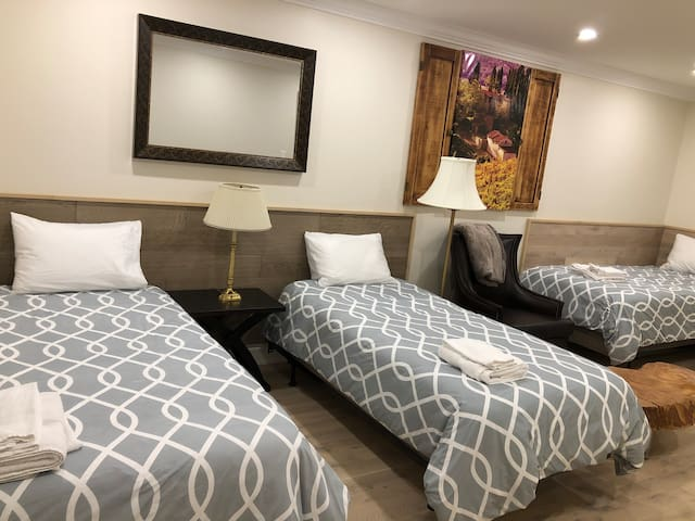 3rd bedroom with 3 separate beds