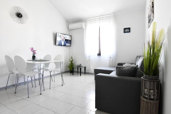New apartment Gallery Umag air conditioning Wi-Fi
