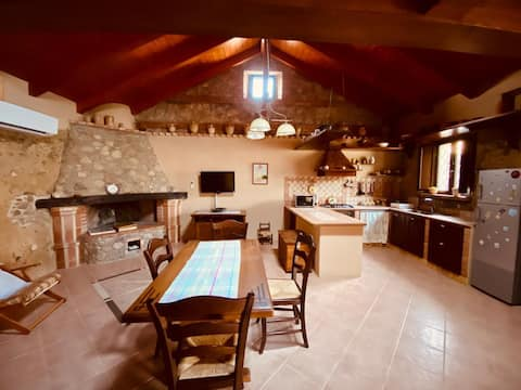 Chiara&Giulia's Chalet-in the countryside, at sea