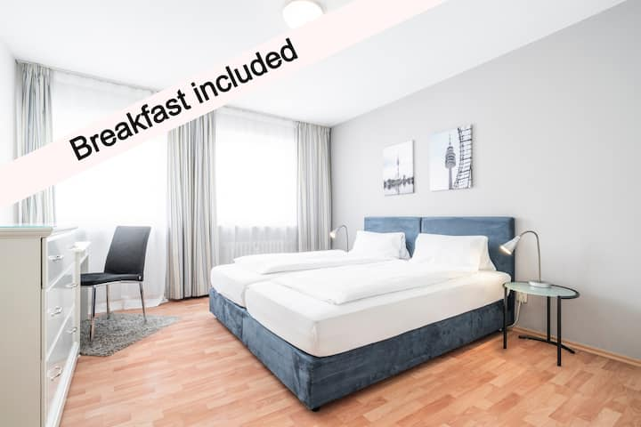 Flatista Boutique Hotel directly at English Garden
