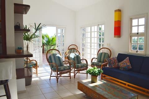 Casa charmosa C.Fechado Perto da Praia Linda Vista